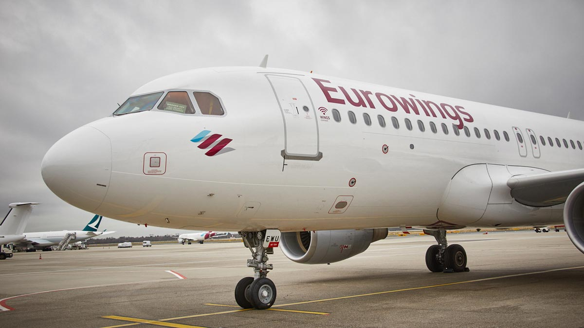 Eurowings_A320_Bow_@_Airport_DUS